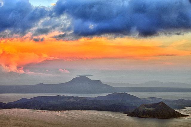 o002-Taal Volcano